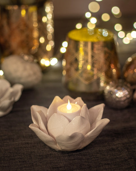 White Flower T Light Holder