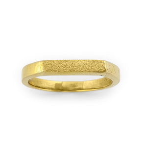 Load image into Gallery viewer, Brass gold color ring with flat and hammered front surface