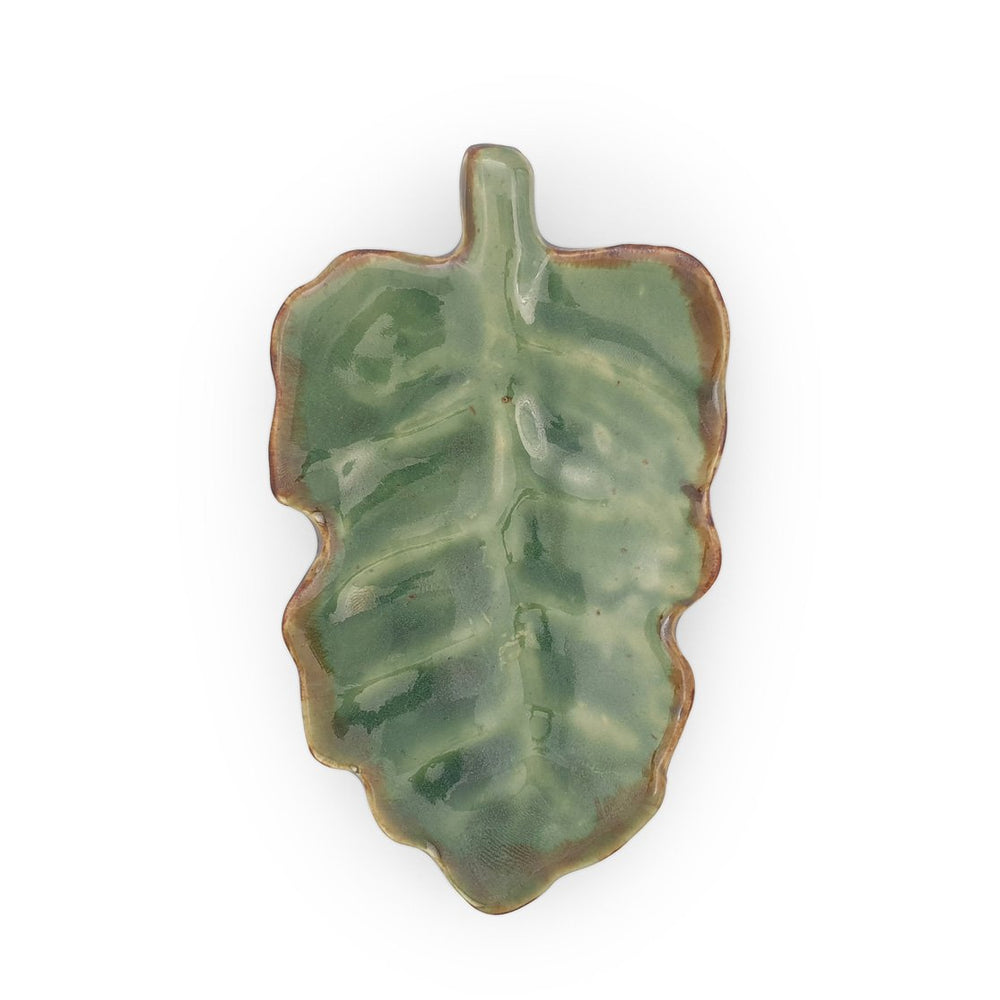 Load image into Gallery viewer, Ceramic leaf plate green