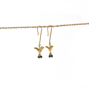 Load image into Gallery viewer, Earring Bird Stone brass gold black stone