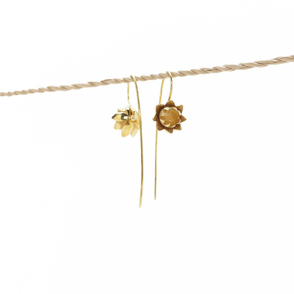 Load image into Gallery viewer, Earring Lotus Flower Hook Brass Gold Side