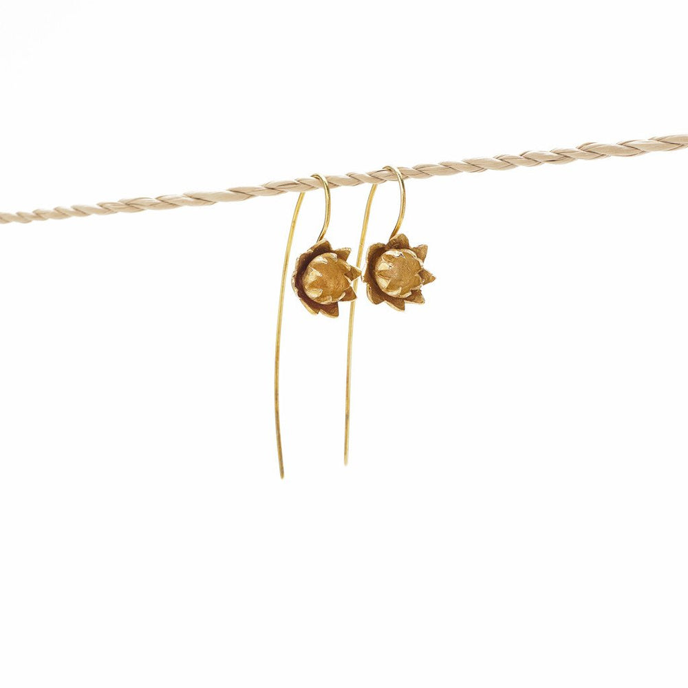 Load image into Gallery viewer, Earring Lotus Flower Hook Brass Gold