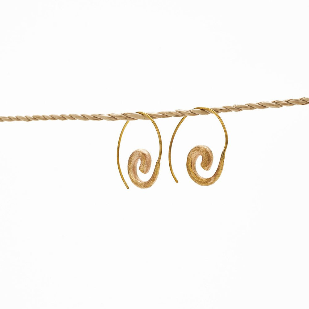 Load image into Gallery viewer, Earring Spiral Brass Gold