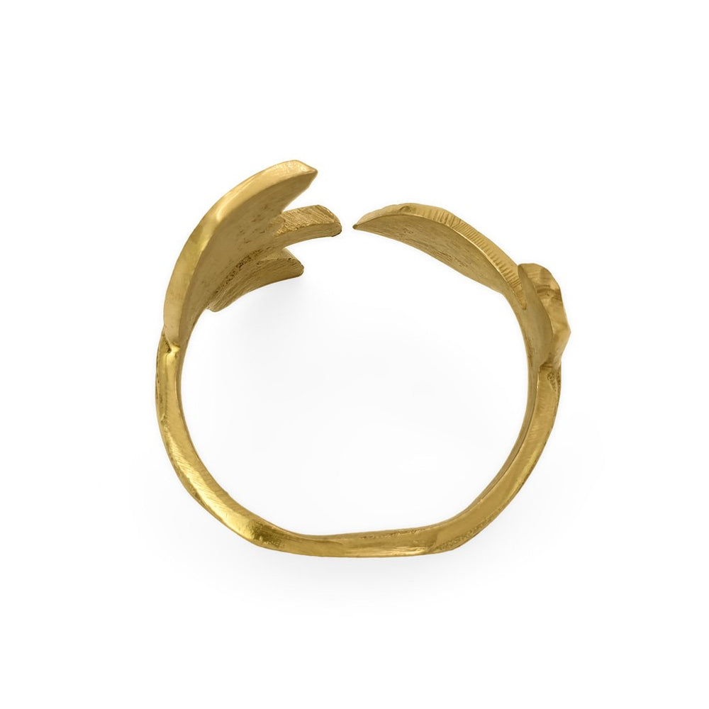 Load image into Gallery viewer, Handmade brass napkin ring leaf top view