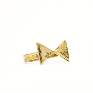 Load image into Gallery viewer, Ring Boho Triangle Inward gold