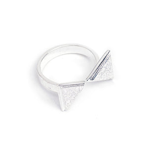 Load image into Gallery viewer, Ring Boho Triangle Inward silver