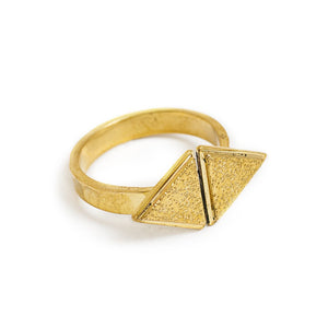Load image into Gallery viewer, Ring Boho Triangle Outward gold