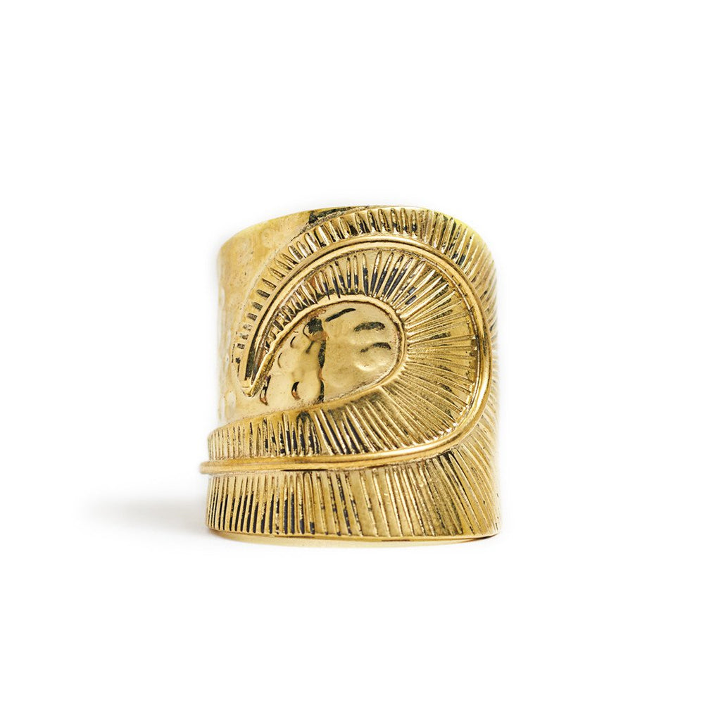 Ring Boho Wave in solid brass gold color
