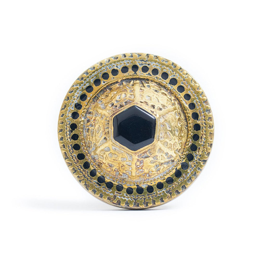 Load image into Gallery viewer, Ring Tibetan Round Black Front