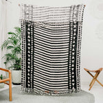 Cotton blanket with tribal triangles pattern front