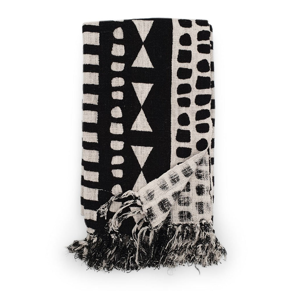 Cotton blanket with tribal triangles pattern