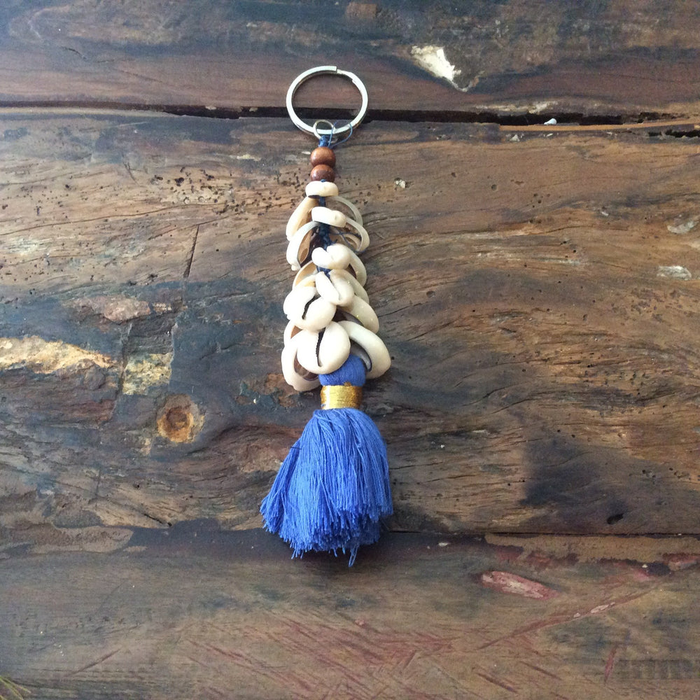 Load image into Gallery viewer, Keychain Tassel & Shell
