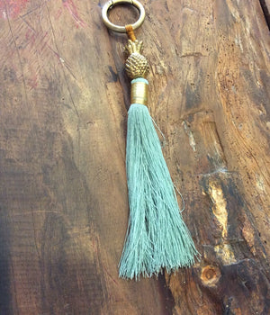 Load image into Gallery viewer, Keychain Tassel Pineapple Small