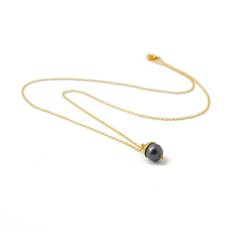 necklace black pearl nut