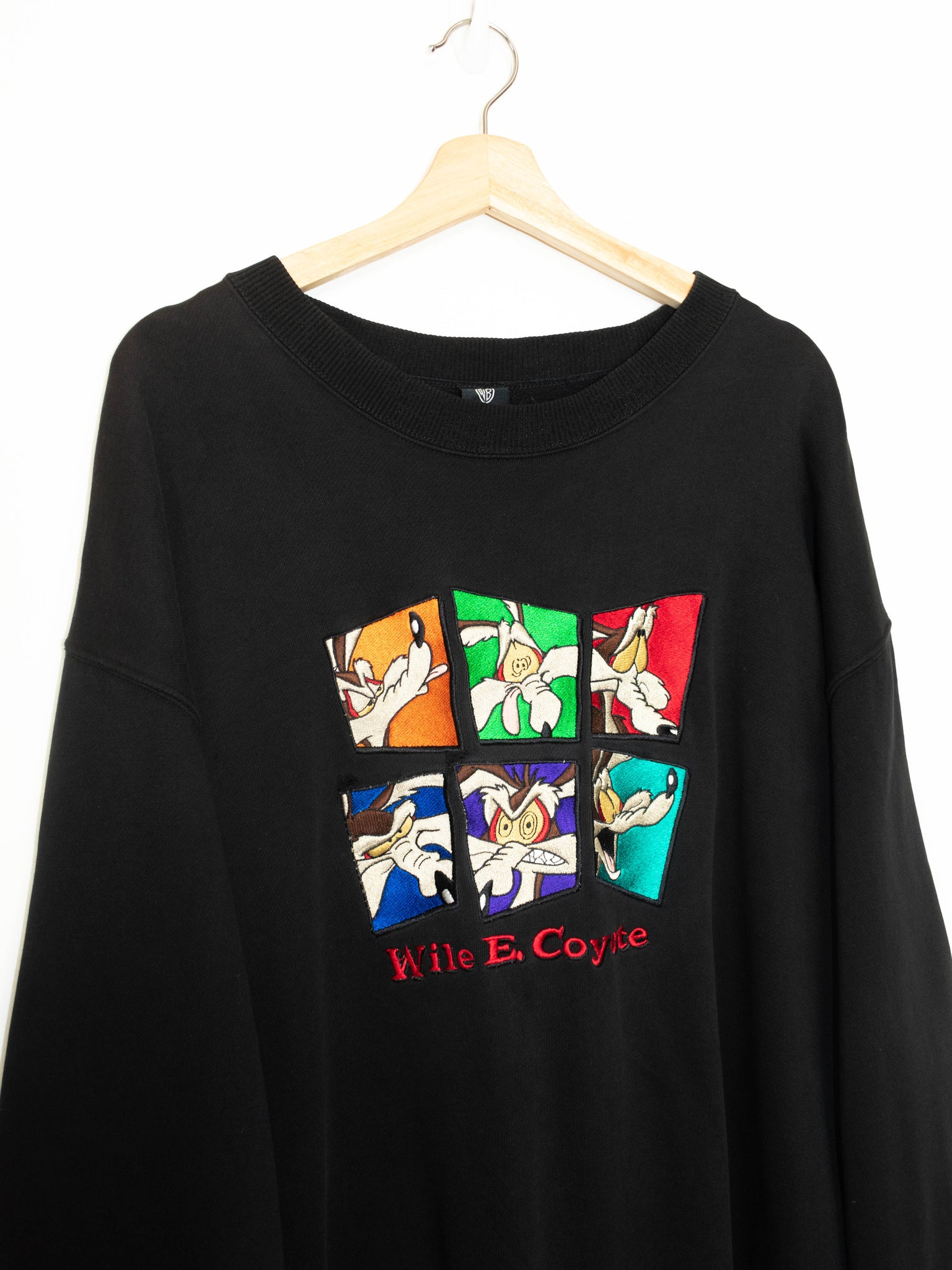 Vintage Wile E Coyote sweater size: XL