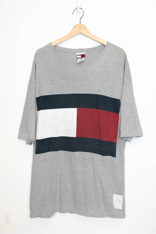 Tommy Hilfiger T-Shirt made in USA Size: XL