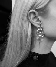 Load image into Gallery viewer, Venus Stick Earring Large - White Gold