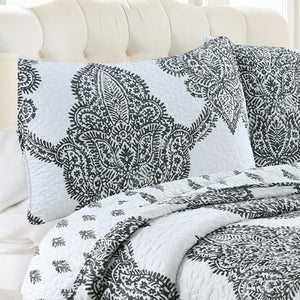 Bentley Batik Antimicrobial, Reversible, Ultra-Soft Quilt Set - Grey/White