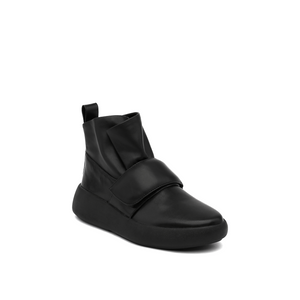 flux sneaker black angle out