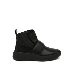 flux sneaker black out