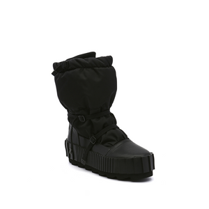 arctic boot black angle out view