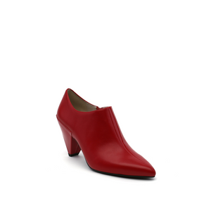 delta pure pump deep red angle out view