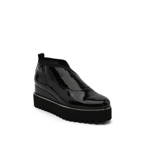 fold casual ii black patent angle out view