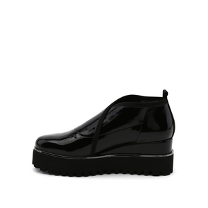 fold casual ii black patent in view