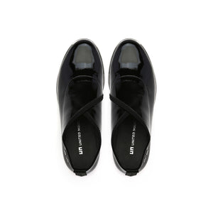 fold casual ii black patent top view
