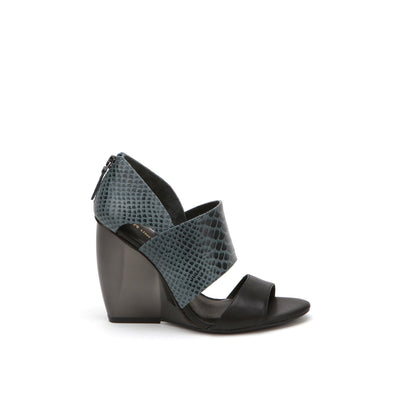 sera sandal dark teal + black out view