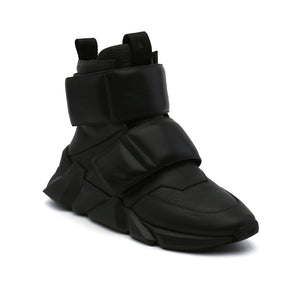 space kick stout mens black angle out