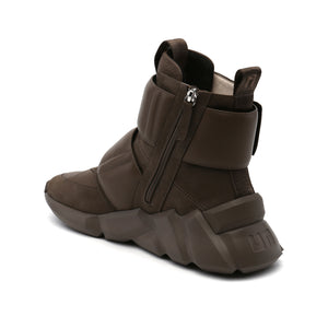 space kick stout mens sand angle in