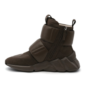 space kick stout mens sand in