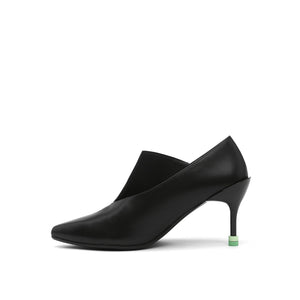 square pump mid black in view