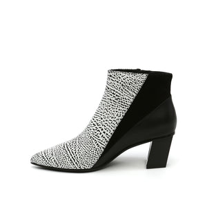 twist bootie mono + black in