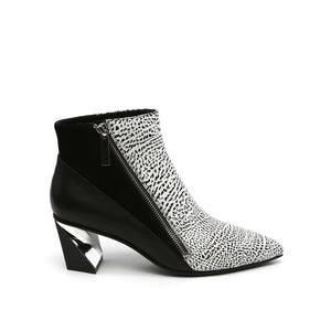 Twist Bootie | Mono + Black