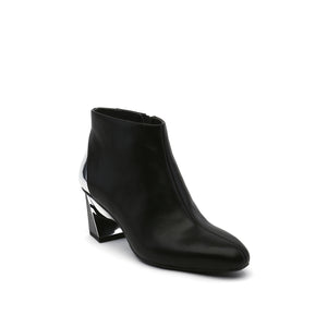twist flow bootie black angle out