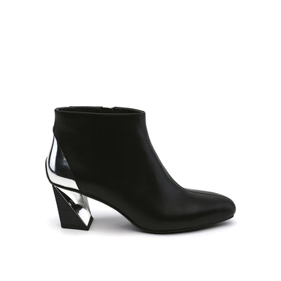twist flow bootie black out