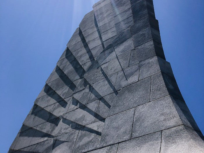 As public memorials go, this monument with its feather-like formation is one of my favorites