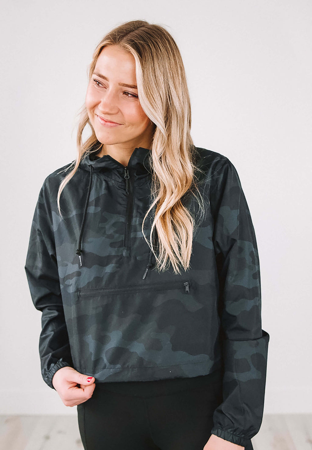 Pullover Crop Windbreaker
