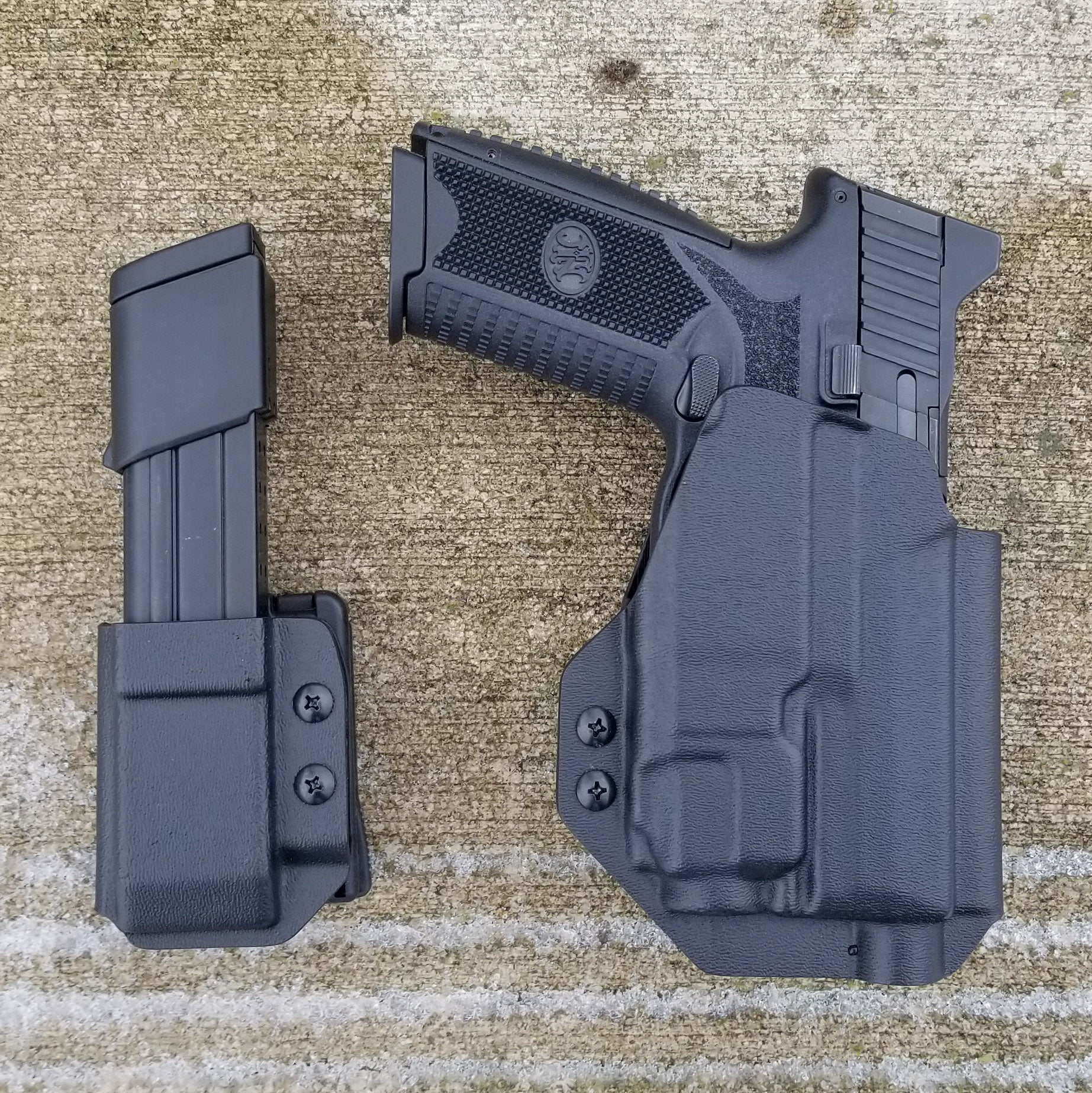 FN 509 Tactical with TLR-8 OWB Holster