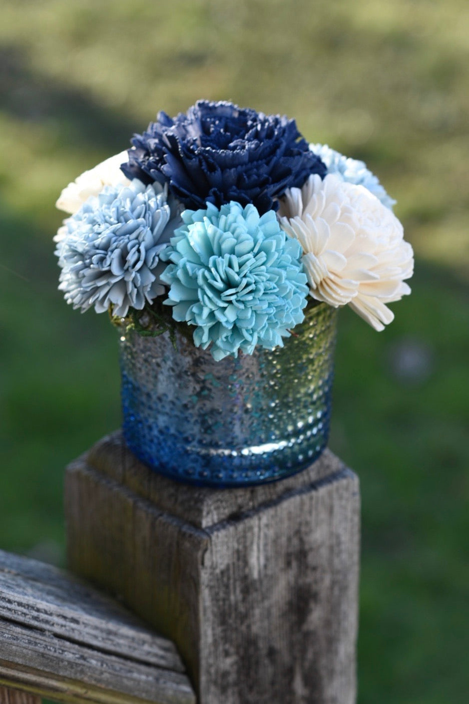 Blue/ Silver ombré arrangement