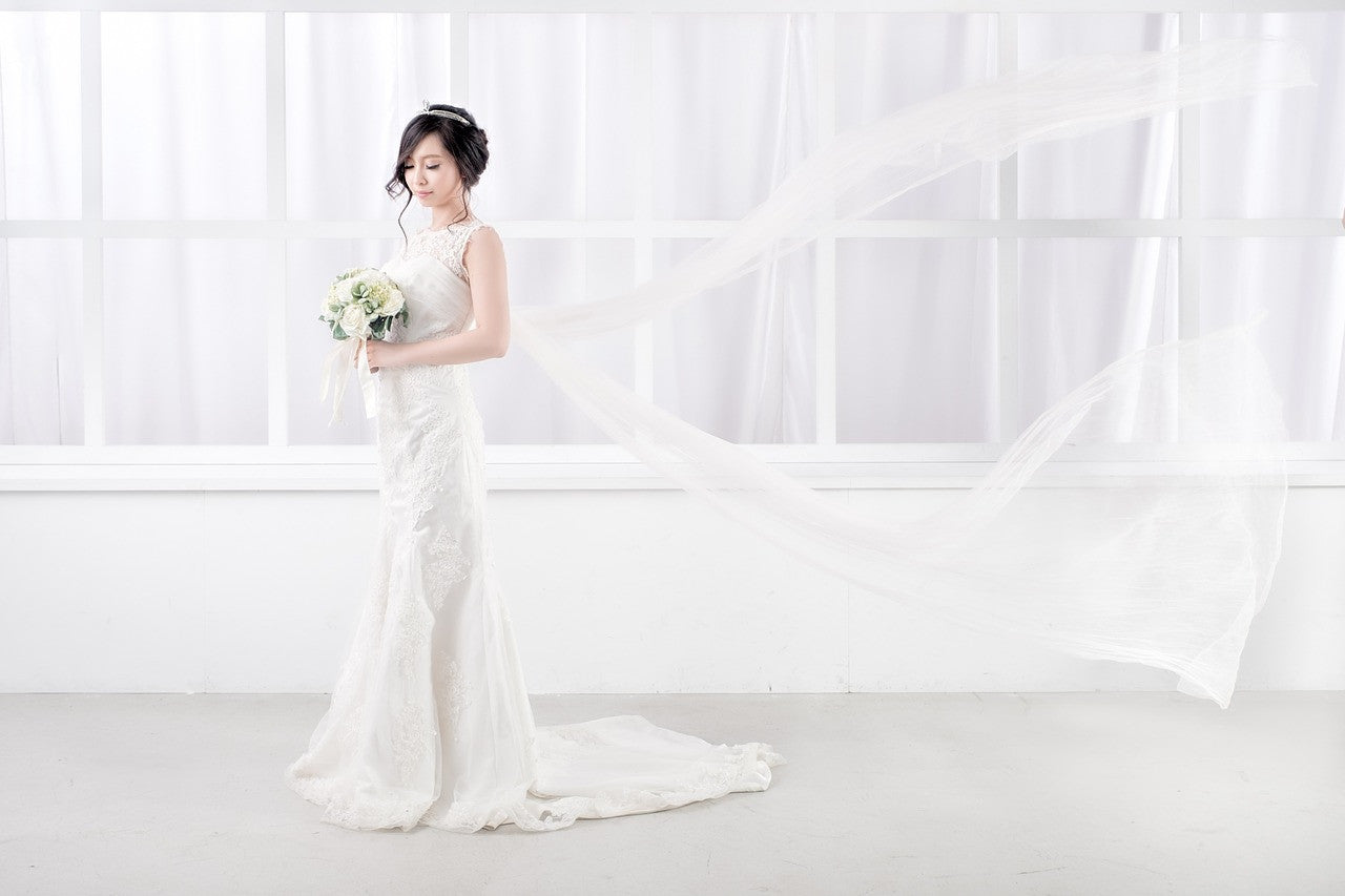 Less is More: Simple Wedding Dresses for the Polished Bride