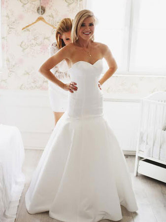 Magdalena's Simple Elegant Wedding Dress