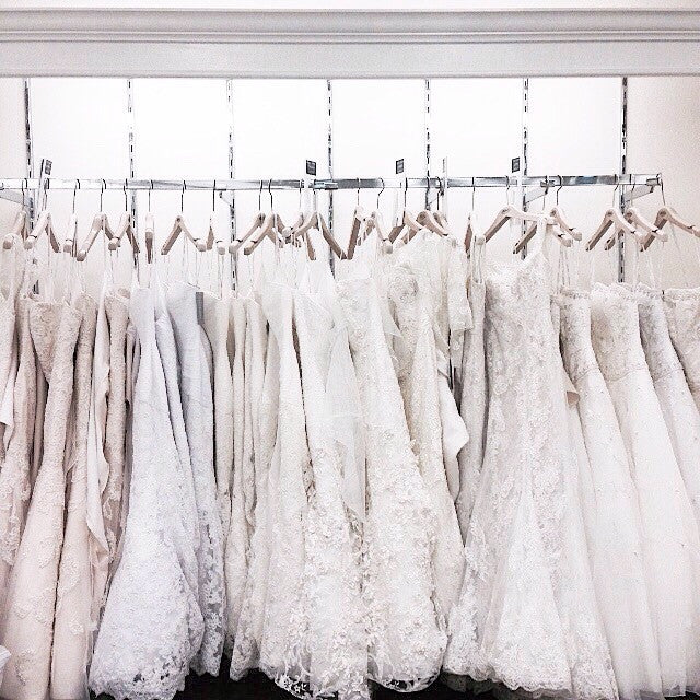 Find a Perfect Custom Wedding Dress at an Online Shopping Event