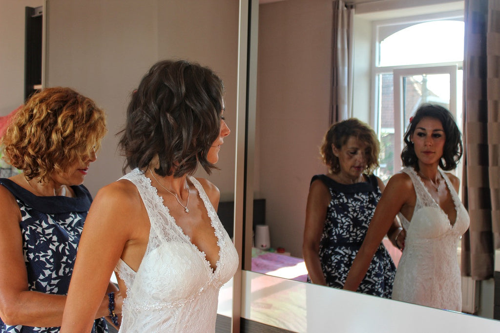 7 Ways to Honor the Mother of the Bride at the Wedding