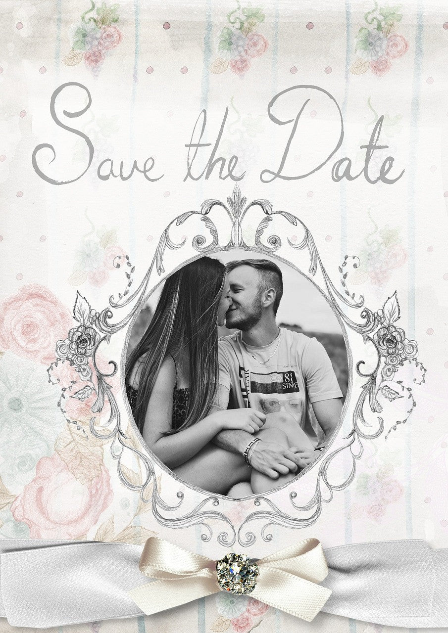 Save-the-date Ideas that are Perfect for a Summer Wedding