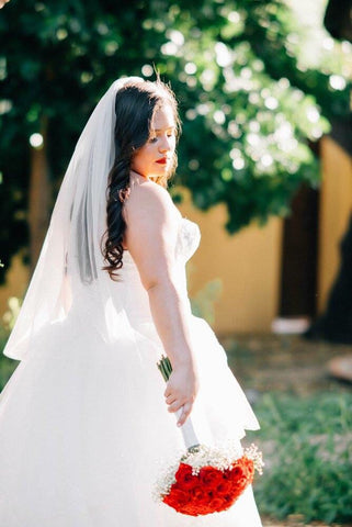 Andrea with Short Tulle Veil VG1030 38''