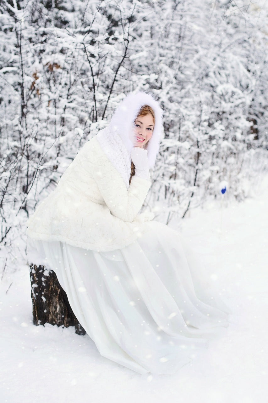 How to Stay Warm During Your Winter Wedding