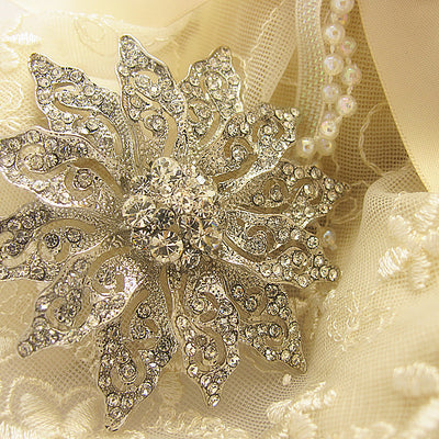 Crystal Flower Wedding Bridal Fashion Brooch